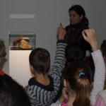 Photo : visite de l'exposition scolaires CL Site Saint-Sauveur Terres de Montaigu